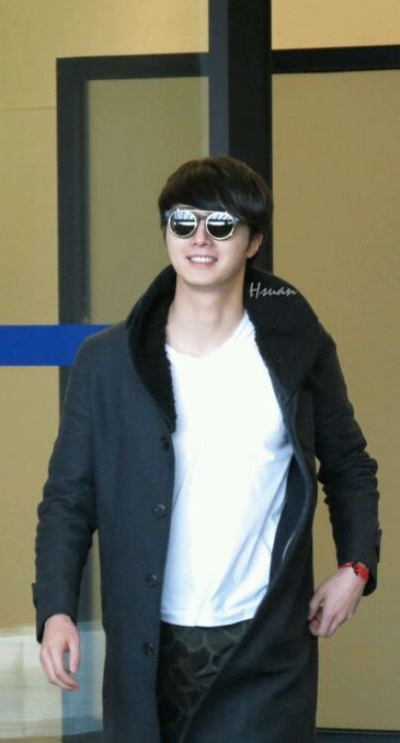 2012 12 7 Airport Arrival00001