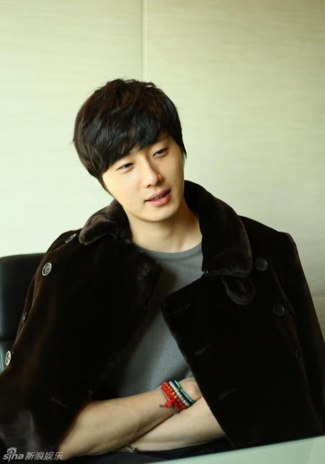 2013 1 6 Jung II-woo in an interview for Sina.com China 00008