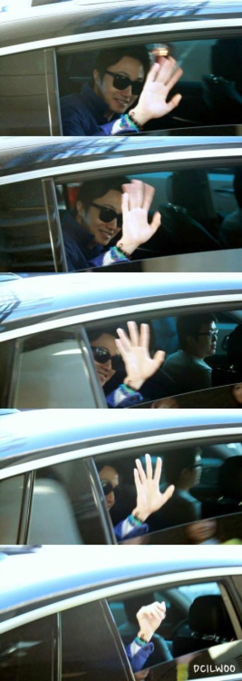2013 2 22 Jung II-woo in Holika Holika Event in Myanmar (Airport Arriving back in Seoul) 0000.jpg