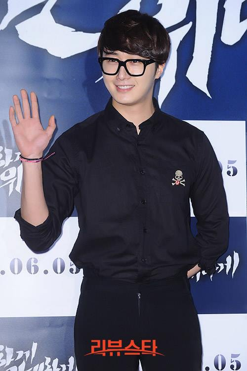 2013 5 Jung II-woo at the VIP Premiere of the Movie Greatly in Secret00012