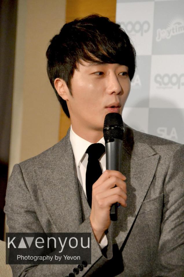 Jung II-woo at Taiwan's Press Conference 12 7 201200002