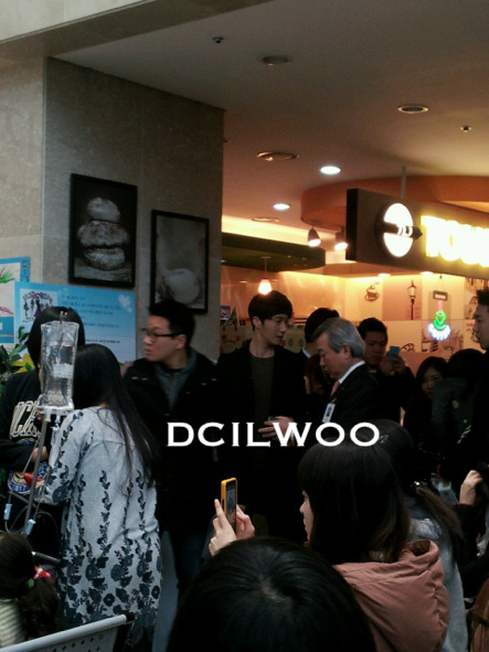 Jung II-woo participates in Domino's Hope Sharing Pizza Party.00011