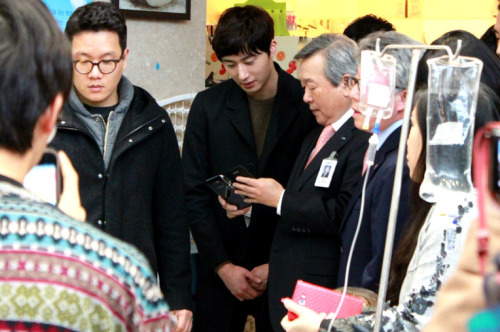 Jung II-woo participates in Domino's Hope Sharing Pizza Party.00016