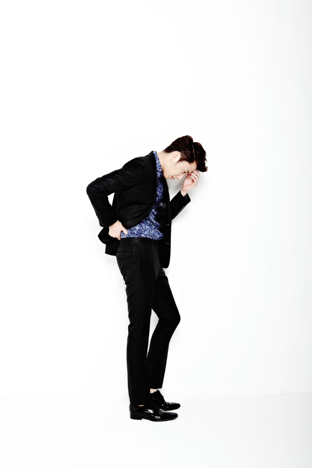 2013 10 Jung II-woo Rainbow Photo Shoot, Part 6 All about Jung II-woo. Cr. Kwon Yoon-sung00010