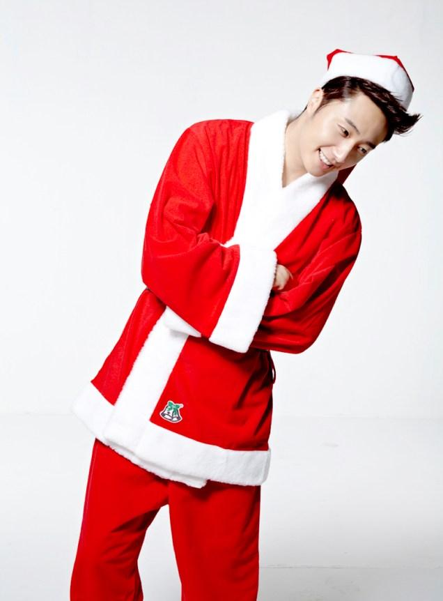 Jung II-woo as Santa. 2013 12 2