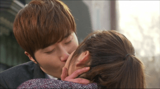 2014 01 Jung II-woo Golden Rainbow Ep 21 Kiss5