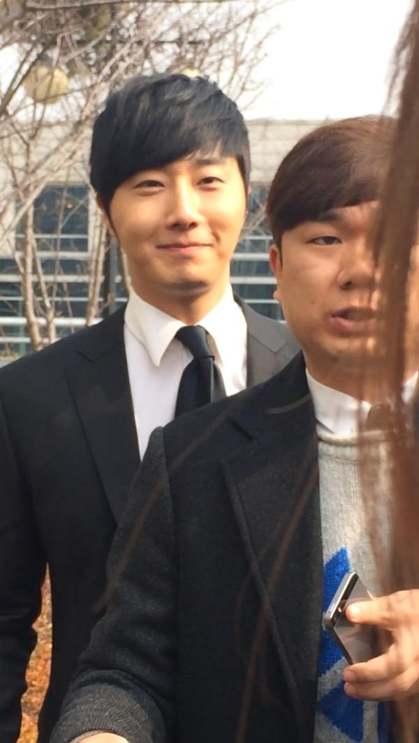 2014 2 20 Jung II-woo Graduation Extras 1