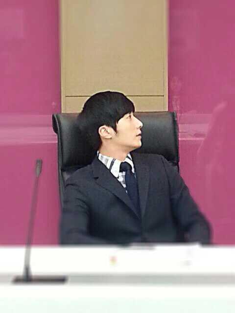Jung II-woo Tweeter Photo Posts March 201411