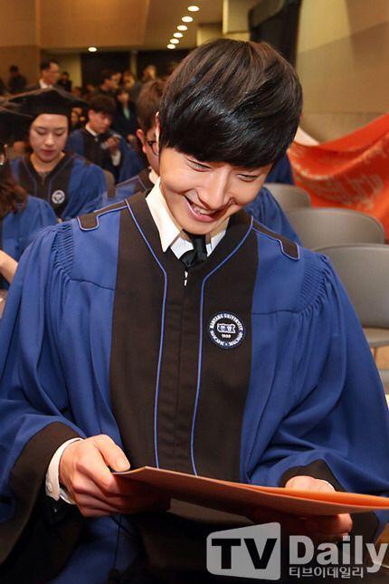 Jung II-woo's Graduation Hanyang University 2014 2 20 17