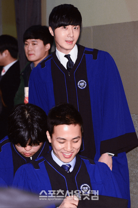 Jung II-woo's Graduation Hanyang University 2014 2 20 5