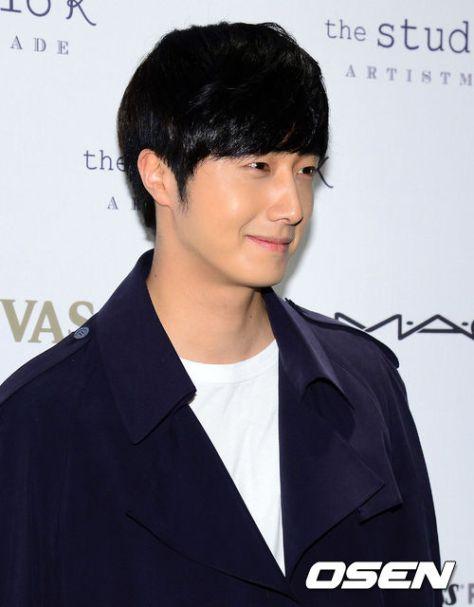 Jung Il-woo in Seoul Fashion Week 2014 3