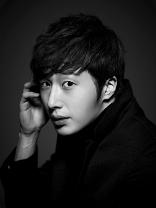 Jung Il-woo in various photos from interviews in April of 2014. 1