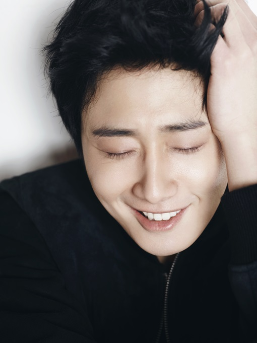 Jung Il-woo in various photos from interviews in April of 2014. 3