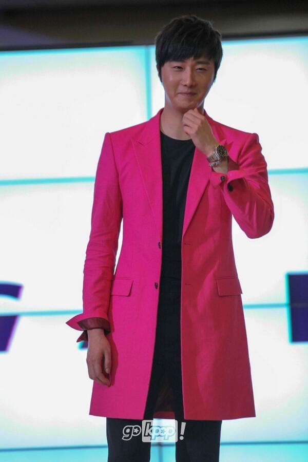 2014 5 27 Jung II-woo in Greet and Meet Holika Holika Greet and Meet 6