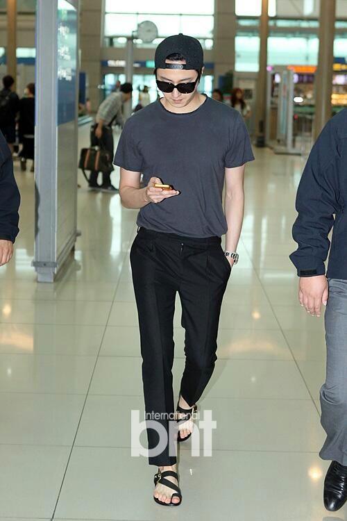 2014 5 27 Jung II-woo in Greet and Meet Holika Holika Greet and Meet Airport Arrival 16