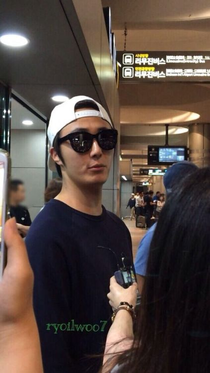2014 6 11 Jung II-woo Japan Airport Departure 5