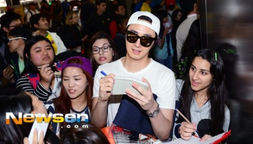 2014 6 Jung Il-woo arrives to Brazil. 4