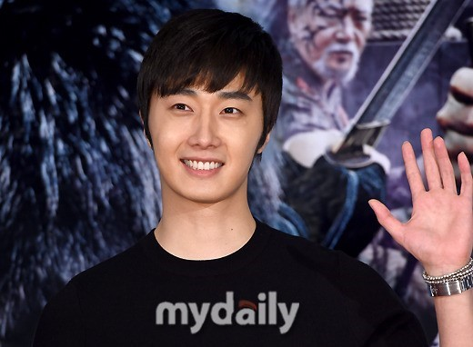 2014 7 29 Jung II-woo in the VIP presentation of Pirates. 1