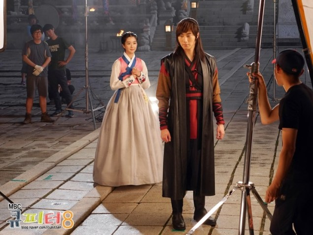 2014 7 Jung II-woo in The Night Watchman Journal Photo Shoot outside. Cr. Cupitter9 9