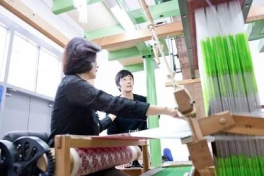 2014 8 19 Jung II-woo wearing Hanbok designed by his mom 12.jpg