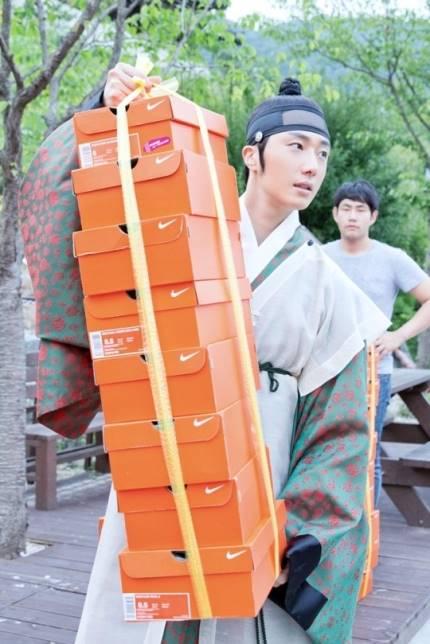 "2014 8 5 Jung II-woo ""here comes Prince Lee Rin"" Cr. Starcast 29.jpg"