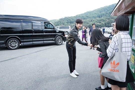2014 10 7 Jung Il-woo dates his girlfriend:s secretly Cr. jungilwoo.com for Starcast 6.jpg