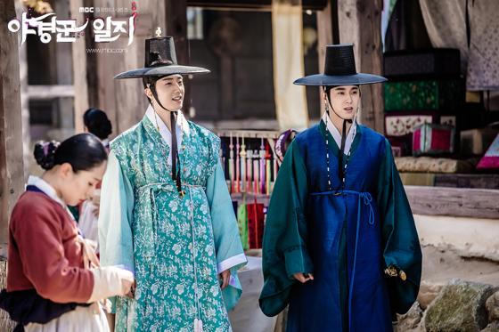 2014 9 Jung II-woo in Night Watchman's Journal Episode 10 BTS Cr.MBC 15