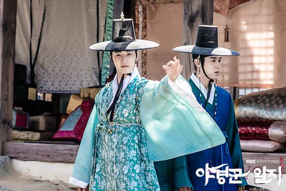 2014 9 Jung II-woo in Night Watchman's Journal Episode 10 BTS Cr.MBC 4
