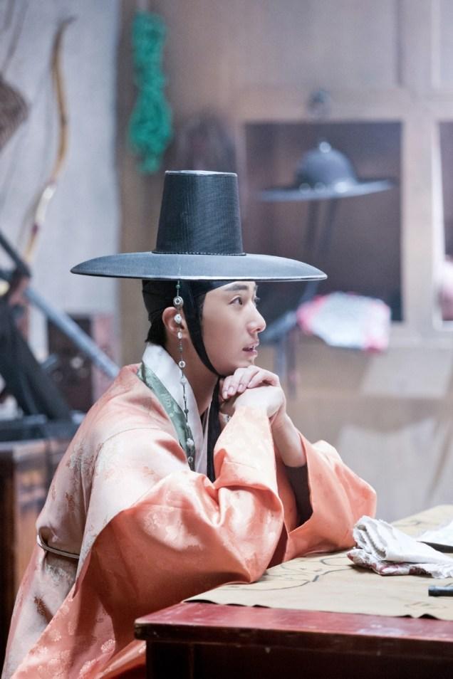2014 9 The Night Watchman's Journal Episode 15 BTS . Cr. jungilwoo.com11