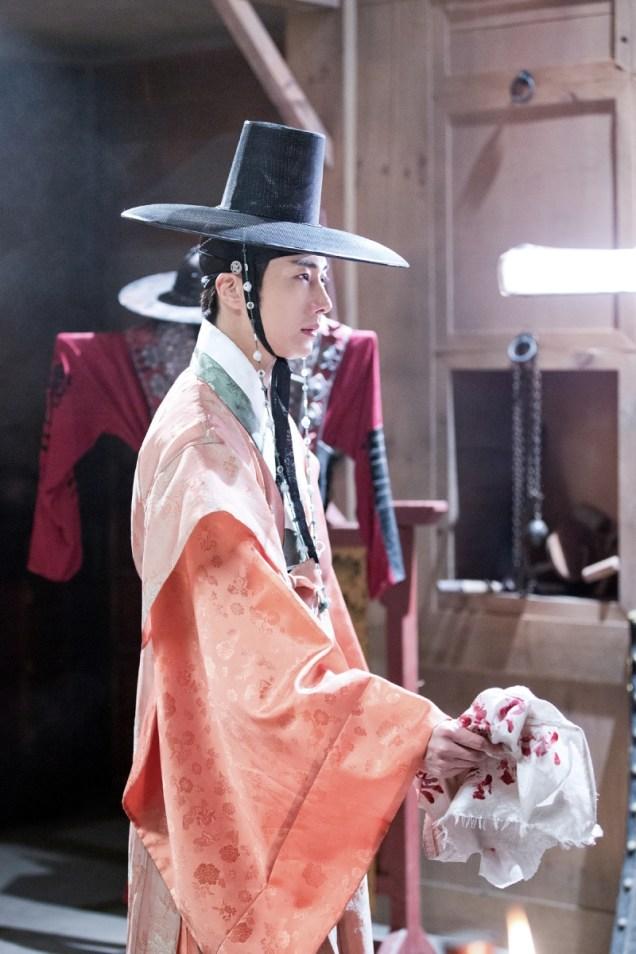 2014 9 The Night Watchman's Journal Episode 15 BTS . Cr. jungilwoo.com5