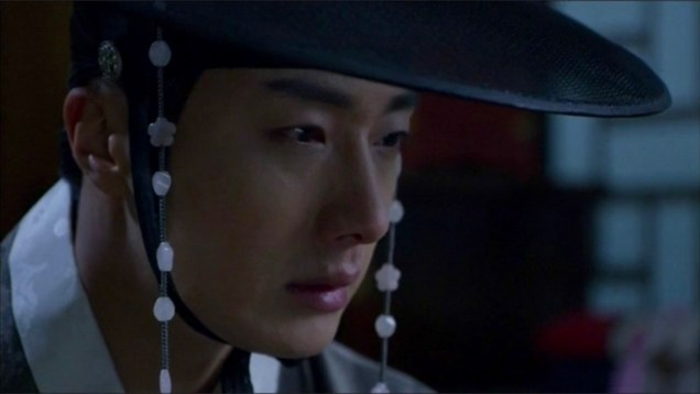 2014 9 The Night Watchman's Journal Episode 16. Cr. MBC 35