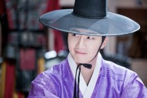 2014 9:10 Jung Il-woo in THe Night Watchman's Journal Episode 17 BTS 3 3
