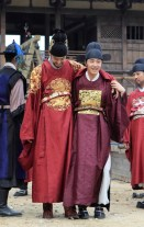 2014 9:10 Jung Il-woo in THe Night Watchman's Journal Episode 20 BTS4