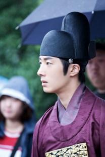 Jung II-woo in the Night Watchman's Journal Episode 5 BTS Cr. MBC 22