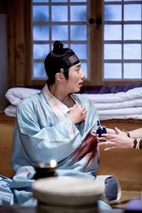 Jung II-woo in the Night Watchman's Journal Episode 6 BTS Cr. MBC 35