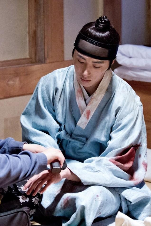 Jung II-woo in the Night Watchman's Journal Episode 6 BTS Cr. MBC 39