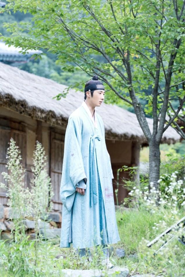 Jung II-woo in the Night Watchman's Journal Episode 7 BTS Cr. jungilwoo.com5