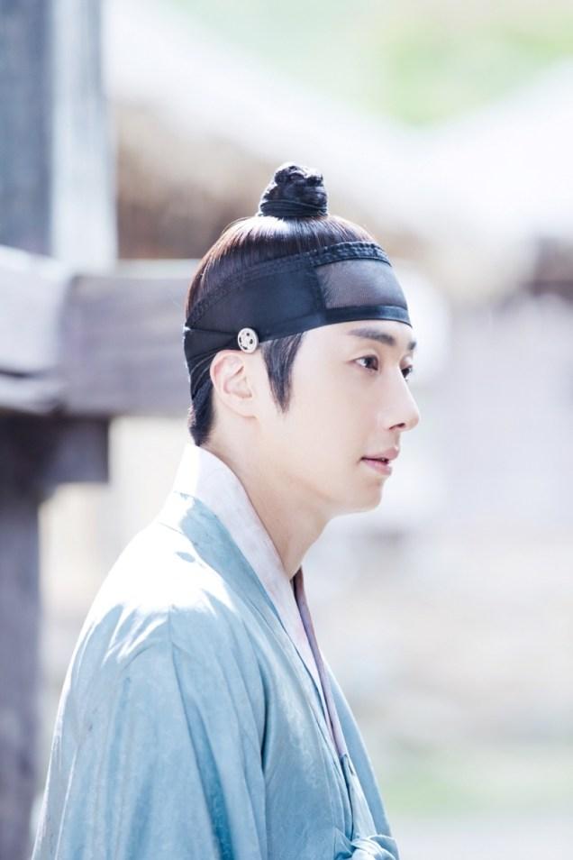 Jung II-woo in the Night Watchman's Journal Episode 7 BTS Cr. jungilwoo.com6