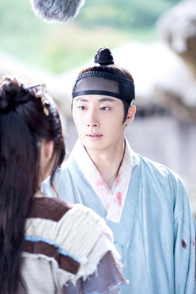 Jung II-woo in the Night Watchman's Journal Episode 7 BTS Cr. jungilwoo.com7