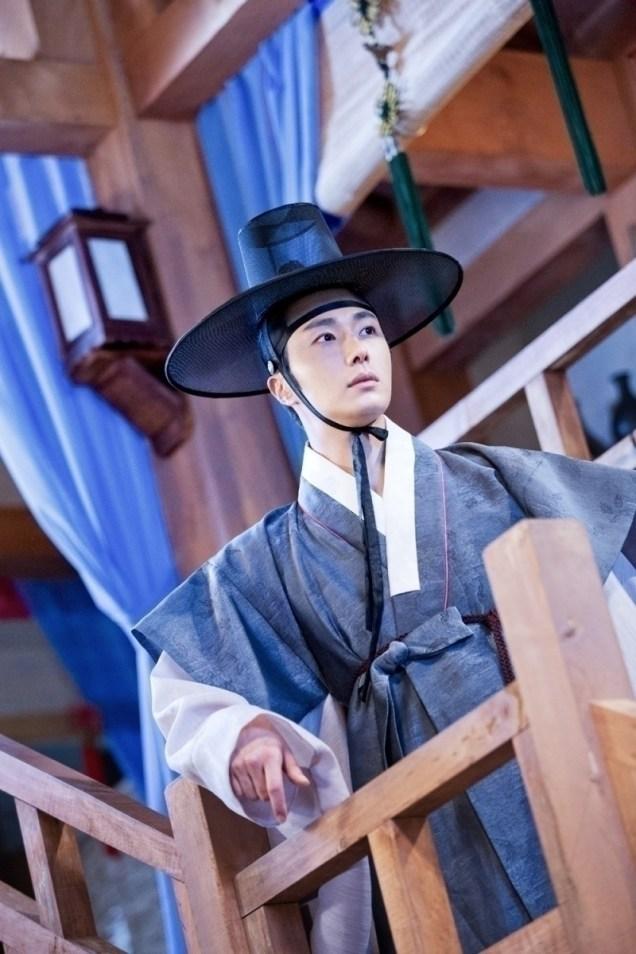 Jung II-woo in the Night Watchman's Journal Episode 8 BTS Part 2 Cr. jungilwoo.com 13