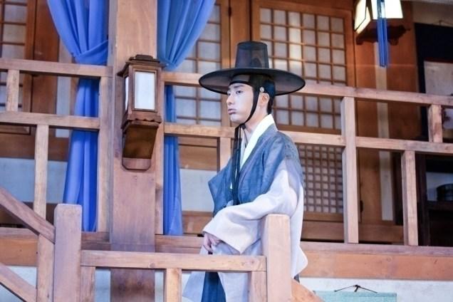Jung II-woo in the Night Watchman's Journal Episode 8 BTS Part 2 Cr. jungilwoo.com 16