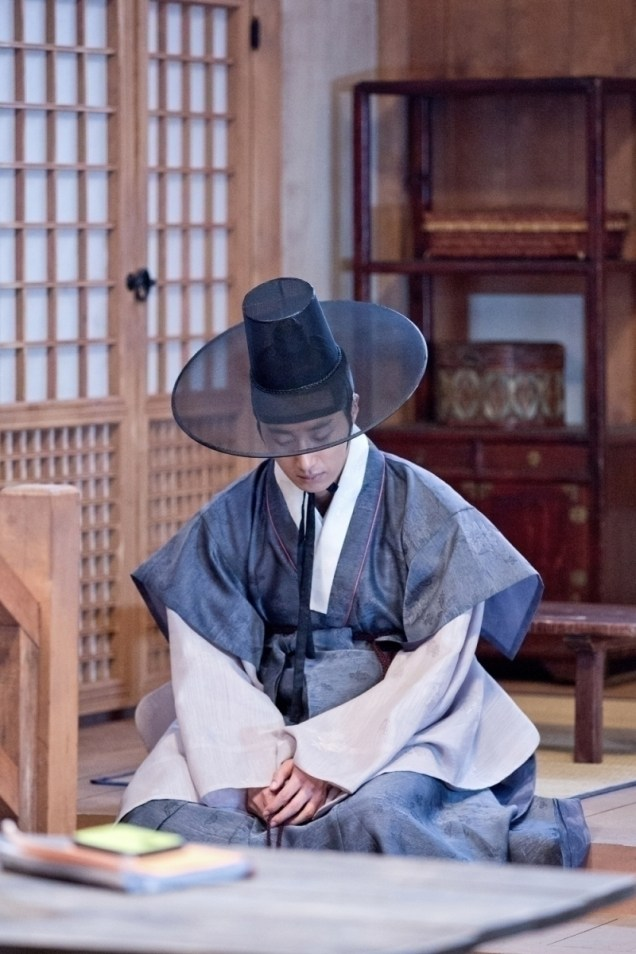 Jung II-woo in the Night Watchman's Journal Episode 8 BTS Part 2 Cr. jungilwoo.com 17