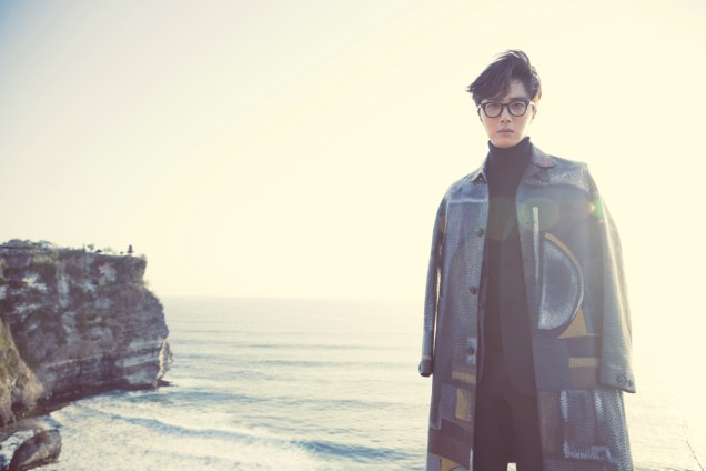 2014 10:11 Jung Il-woo in Bali for BNT International Part 3: Burberry Coat .jpg2