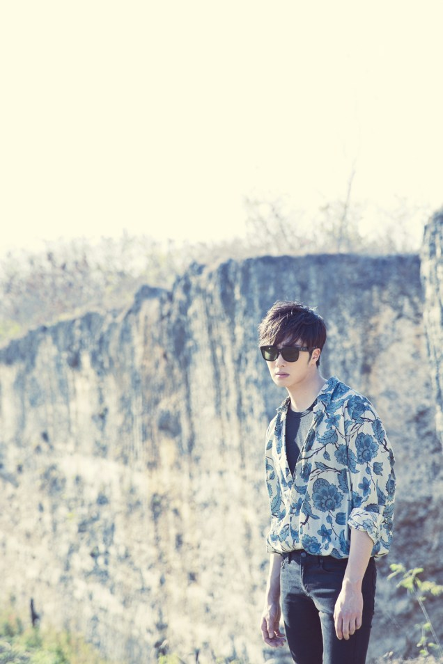 2014 10:11 Jung Il-woo in Bali for BNT International Part 3: Cliffy Goodness Cr.BNT International 2