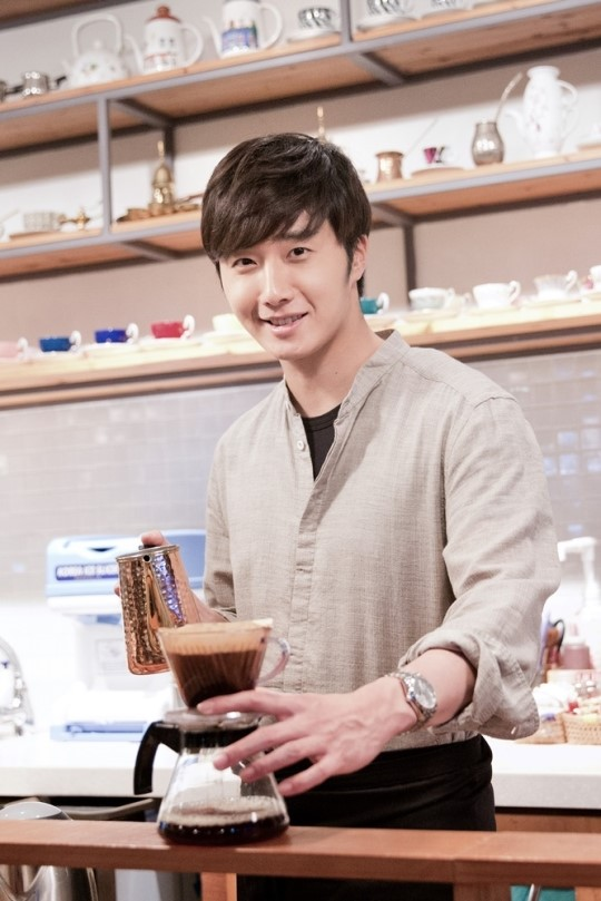 2014 11 13 Jung Il-woo makes coffee when he gets sentimental.  Starcast 17.jpg