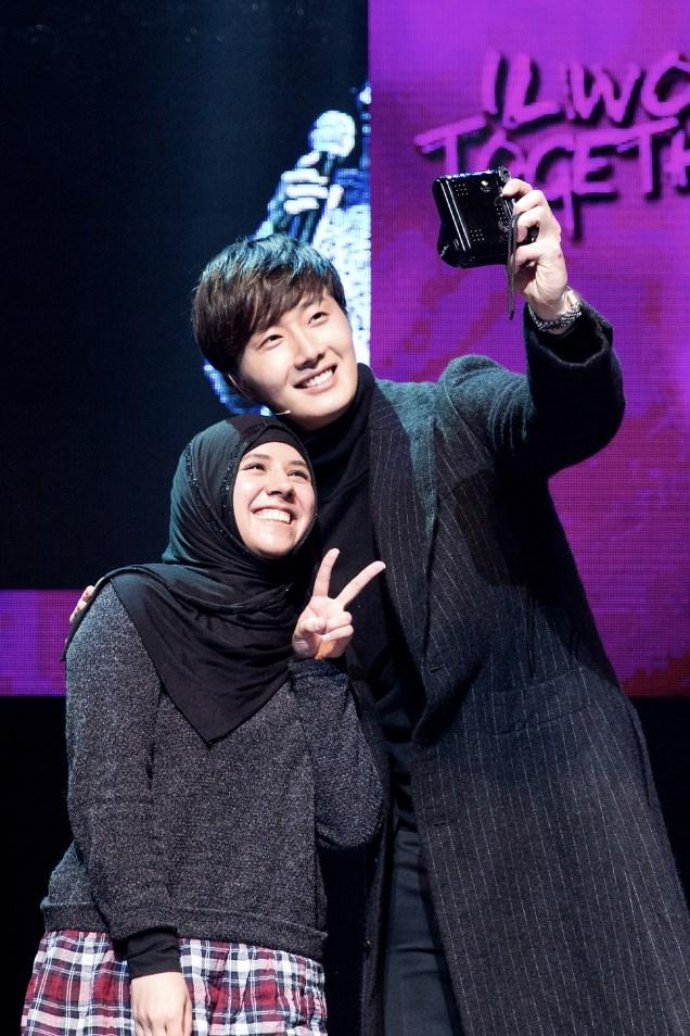 2014 11 22 Jung II-woo in his Fourth Korean Fan Meet. Cr.jungilwoo.com 37.jpg