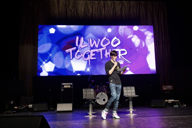 2014 11 22 Jung II-woo in his Fourth Korean Fan Meet. Cr.jungilwoo.com 4.jpg