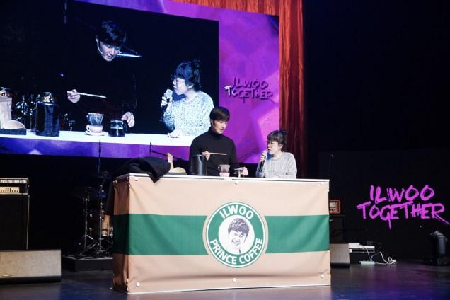 2014 11 22 Jung II-woo in his Fourth Korean Fan Meet. Cr.jungilwoo.com 45.jpg