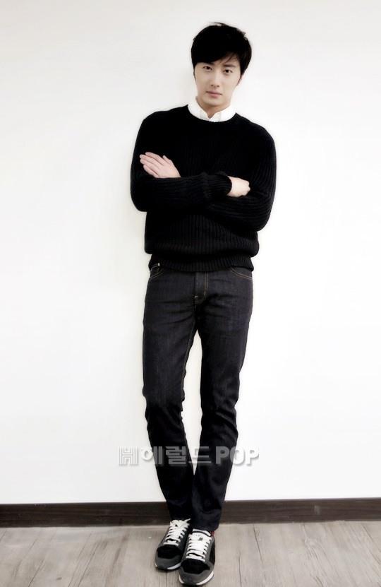 2014 11 Interviews Part 3 Black Sweater 2