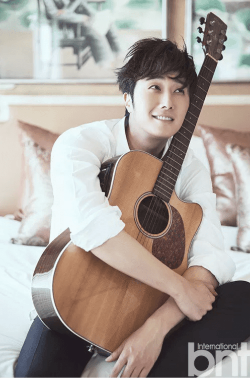 2014-11-jung-il-woo-in-bali-photo-shoot-for-bnt-international-more-with-logo-431.png